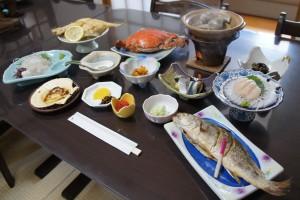 東松山市・未来のまちづくりスタディーツアー大地を守る会の練り物生 産者・高橋徳治商店、遠藤蒲鉾店を訪ね る。