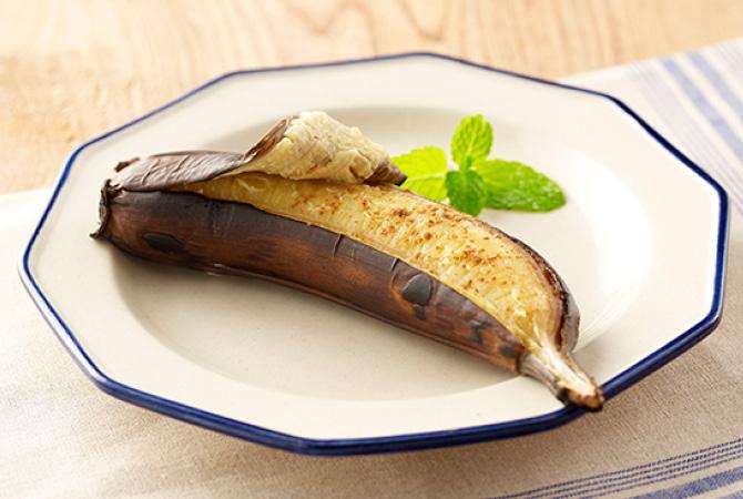 焼くだけでバナナがスイーツに変身