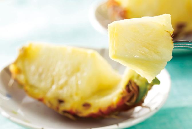 輸入物が多いなか、国産の完熟パイナップルは希少です。