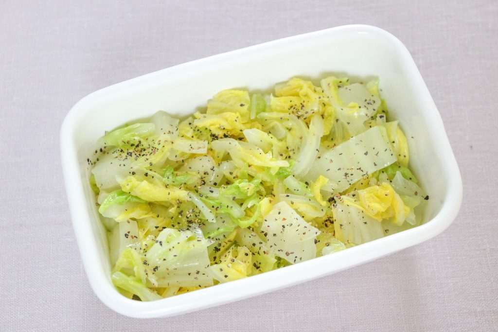 白菜のレモンペッパー和え