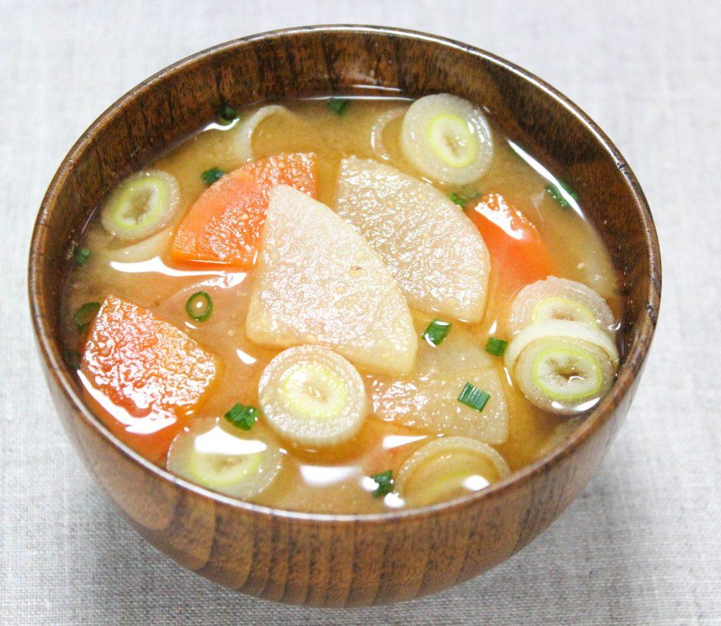 具たくさん根菜のお味噌汁