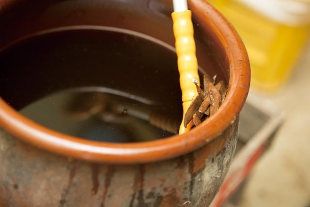 自然素材でできた栄養液「天恵緑汁」は、人が飲んでも元気になるとか!?