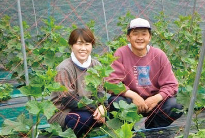 くらぶち草の会の佐藤朝昭さんと妻・和子さん