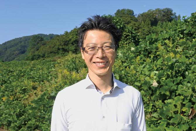 本田商店社長 本田 繁さん:中学生の時に家業を継ぐことを決めた五代目。「そば作りは、長年の職人技と、日々創意工夫し進化していく両方が必要です」。そばについて語り出すと止まりません。