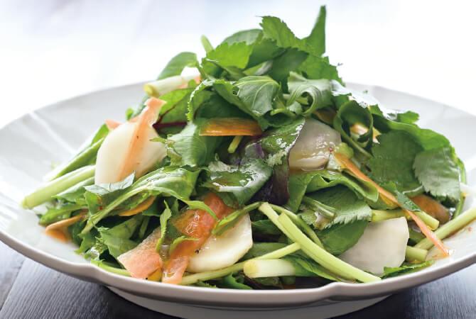 根みつばと春野菜の香るサラダ