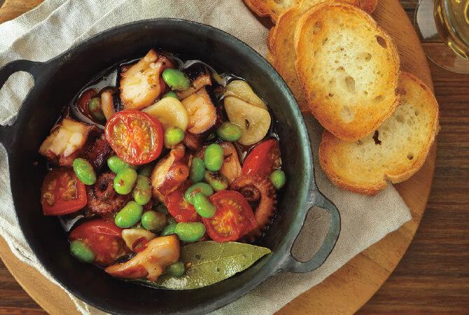 タコと枝豆のトマトアヒージョ
