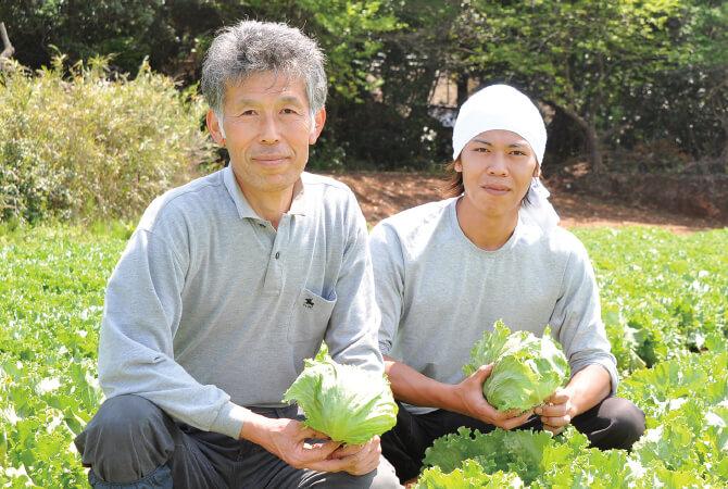 茨城県坂東市 飯塚一実さん(左)と息子の雅弘さん(右)