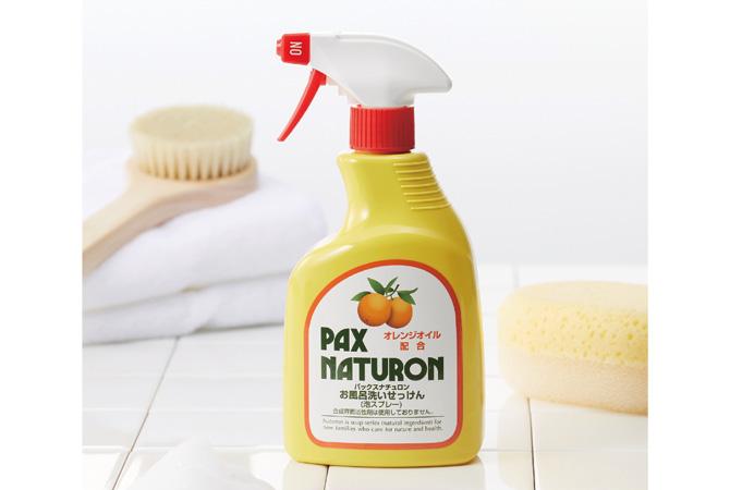 合成界面活性剤不使用の植物性原料だけで作られたお風呂用洗剤。油汚れに強く、換気扇や台所の壁、車の窓の油膜取りまで、活躍します。
