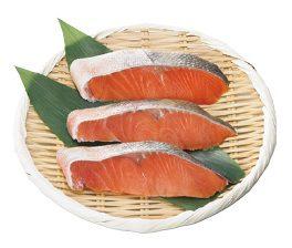 大地を守る会の『北海道産 生鮭切身(3切)』