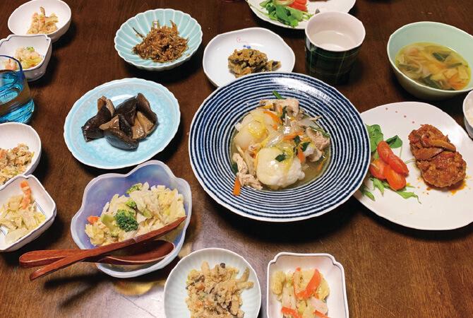 """一家6人で囲む夕食~武久 景子さんの""""だし""""しっかりごはん~"""