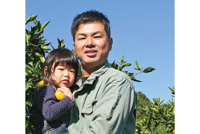 和歌山県海南市 川端敬グループ川端宏幸さん(右)と娘のみず希ちゃん(左)