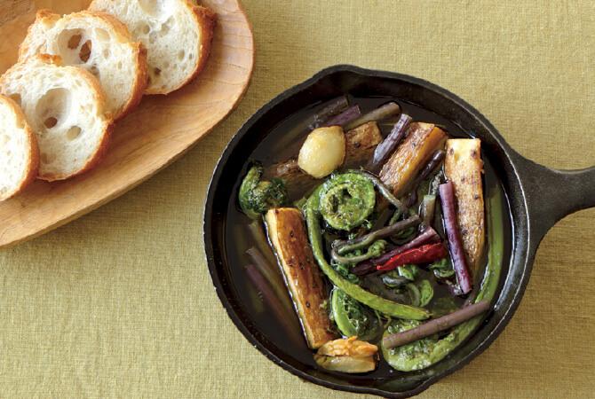 山菜と長芋の皮ごとアヒージョ
