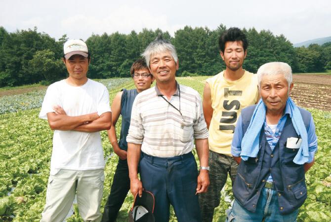 『北軽井沢のシャキシャキあさつゆレタス』の生産者、北軽井沢有機ファミリーのみなさん