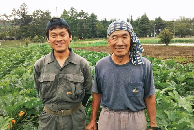 ズッキーニ、トマト、レッドアンデス の生産者 青野武さん(左:山梨県北杜市)、大西一幸さん(右:長野県富士見町)