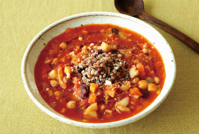 豆と雑穀の根菜ミネストローネ