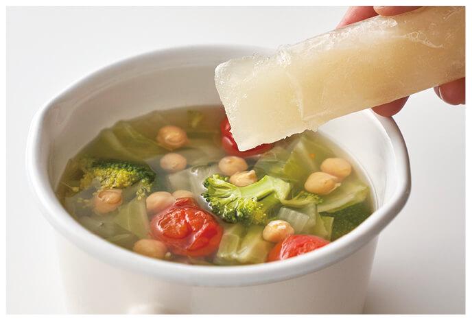 とりがらスープを使った洋風スープ イメージ写真
