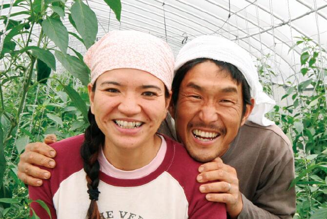 にがみ少ないパリッとピーマン生産者、沖縄県宮古島市 ブルーファーム 西川卓治さん・真衣子さん