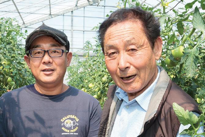 トマト生産者、埼玉県上里町 飯島利巳智さん(左)と勝巳さん(右)