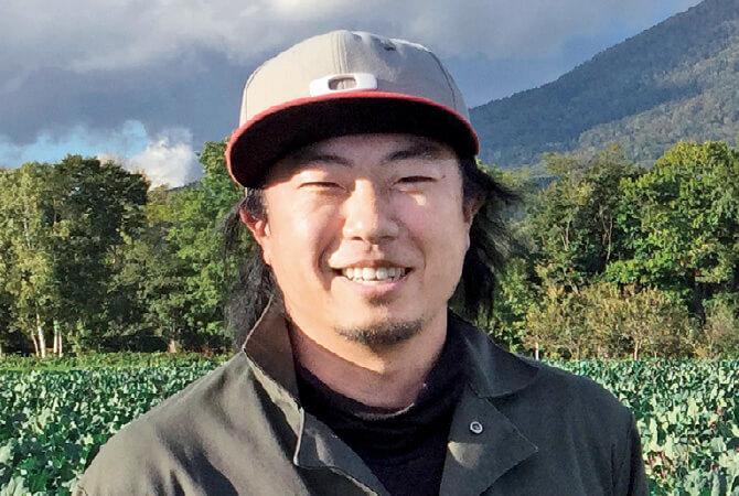 北海道の雪掘り甘人参生産者、北海道真狩村 ベジタブルワークス 佐々木伸さん