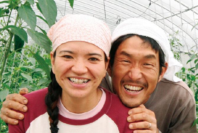 にがみ少ないパリッとピーマン生産者、沖縄県宮古島市 ブルーファーム 西川卓治さんと真衣子さん