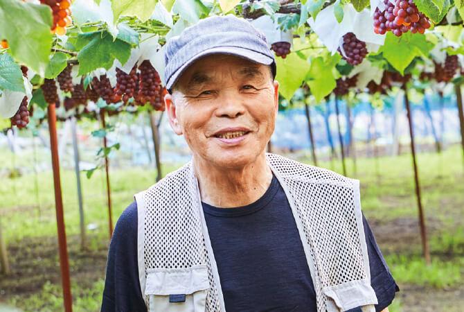 こくあま巨峰(種ありぶどう)生産者、山梨県甲州市 勝沼平有機果実組合 渡辺孟さん