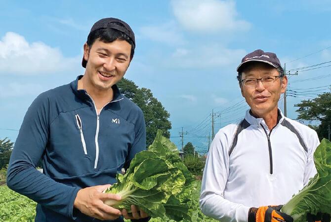ミニ白菜生産者、群馬県昭和村 野菜くらぶ 林美之さん(右)・駿一さん(左)